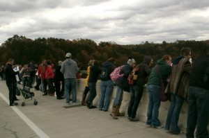 Bridge Day sectators on the New River Gorge Bridge ...