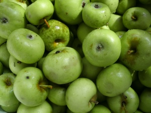 close up a green apples