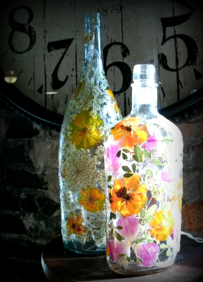 flower bottle lamps at Delmonte Marker