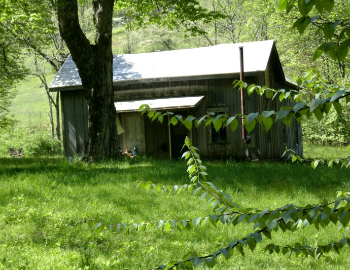 Old cabin in Cleveland West Virginia