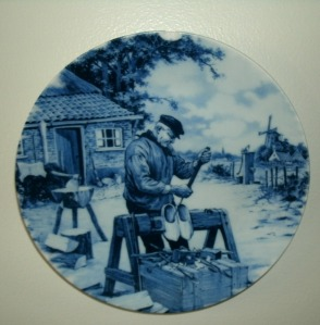 Delft transfer ware wooden shoe maker