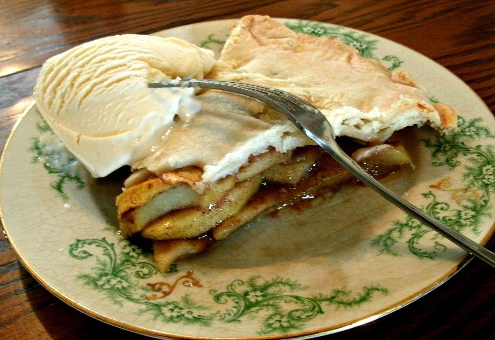 True Love is always found over Pie: My recipe for True Love Apple Pie (5/5)