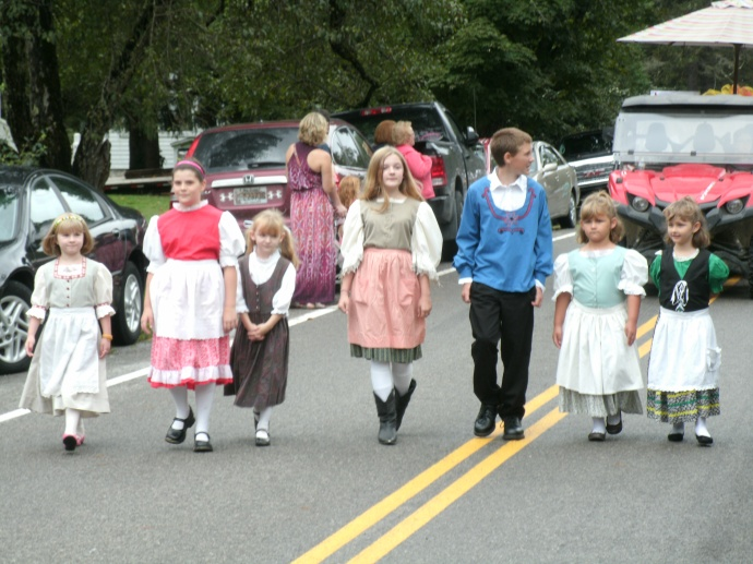 Helvetia Children leading in the parade