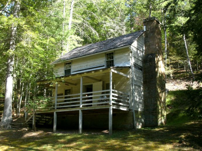 front view of Henry Lee cabin at Lost River State Park