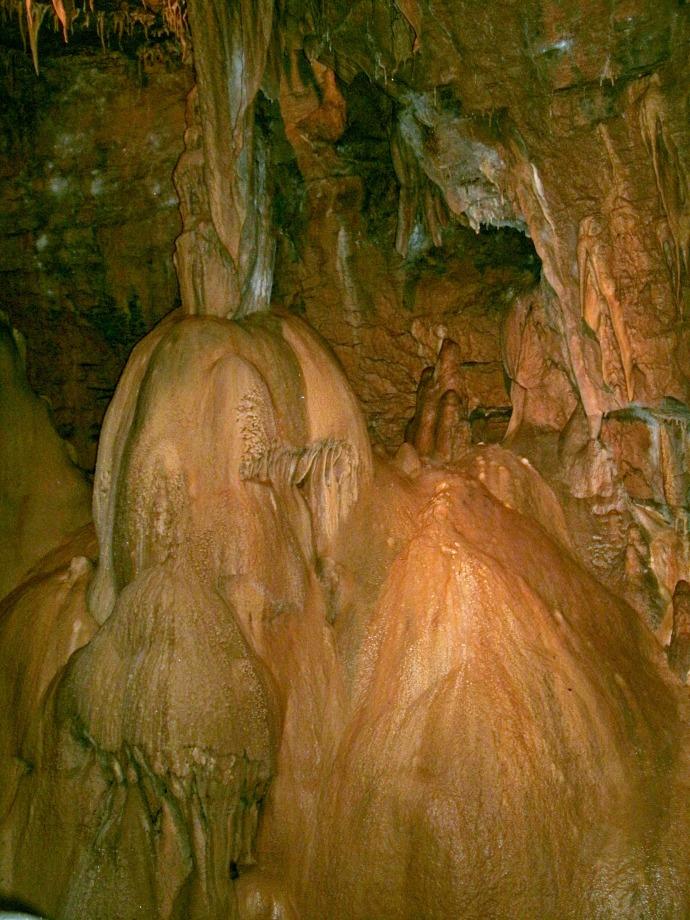 Flowstone formation Seneca Caverns