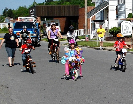 Mountain Beckons Parade starts on 5th street in Elkins West Virginia