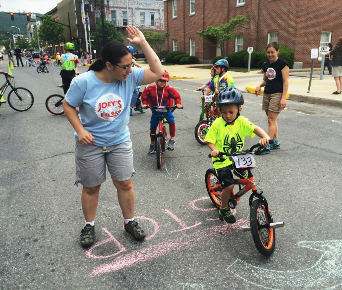 Teaching bicycle safety, Right Turn