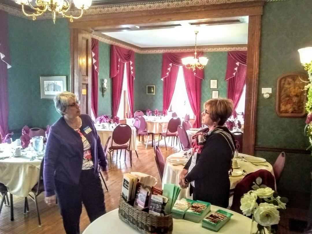 volunteers at Adaland Mansion