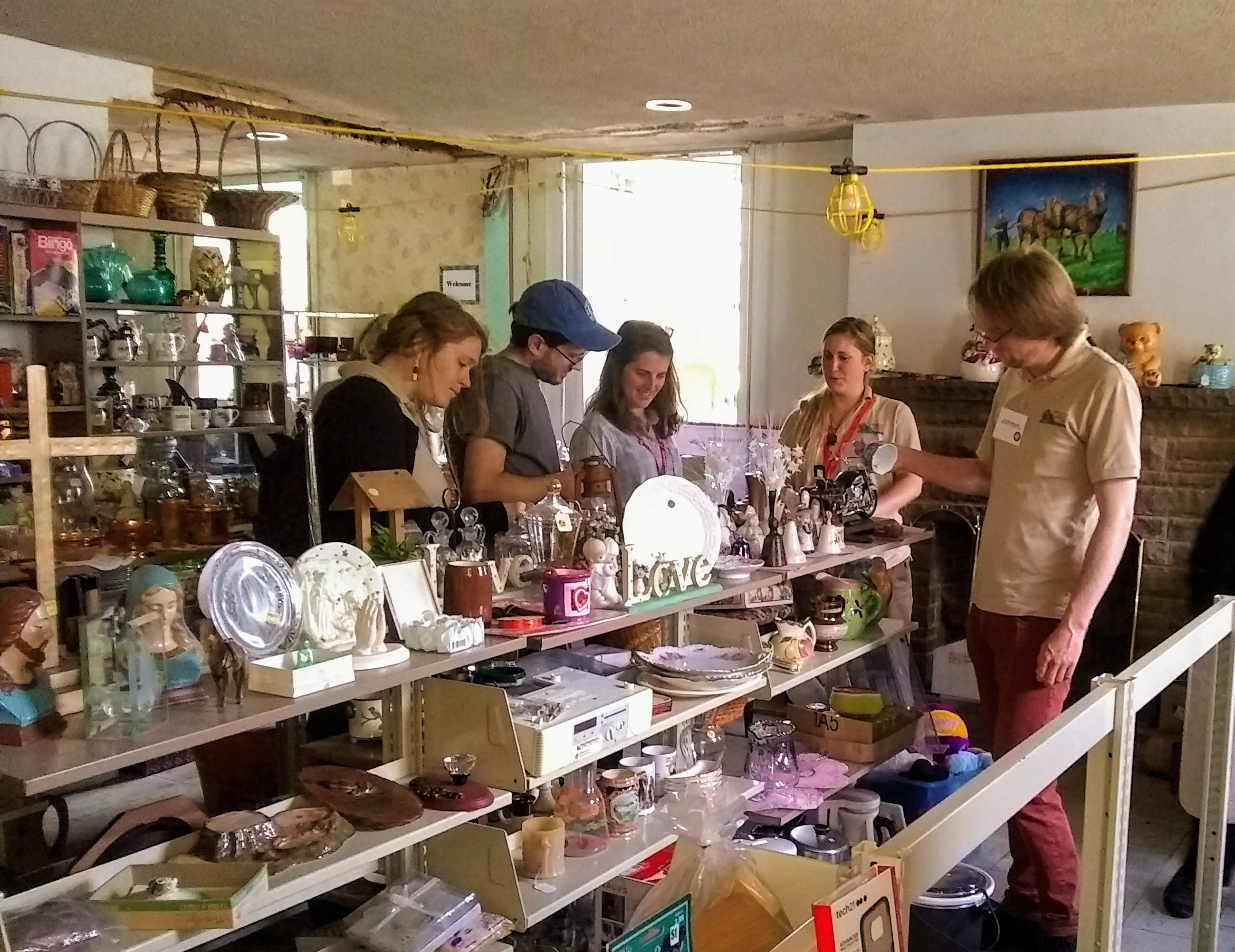 shopping at Travelers Rest flea Market